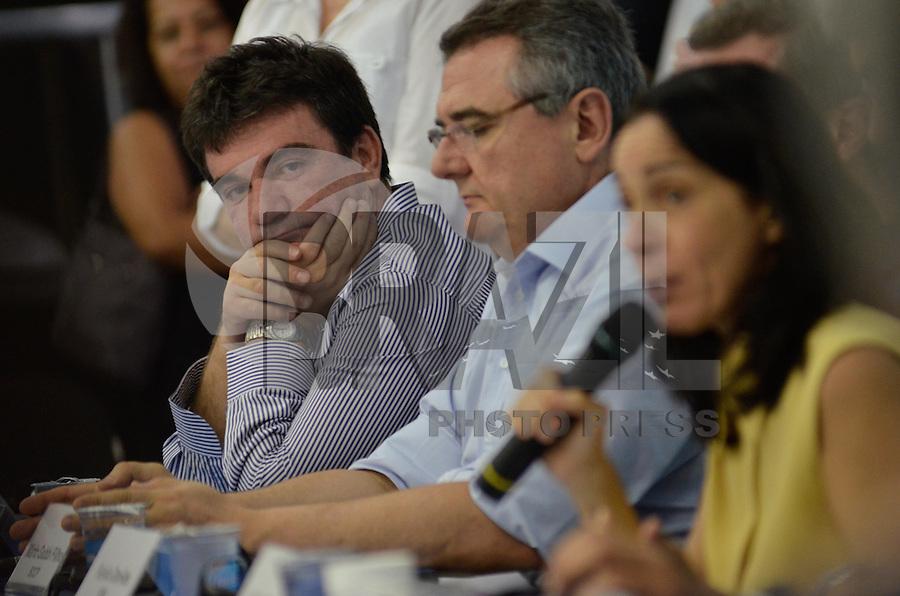 SAO PAULO, SP, 25 JANEIRO DE 2013 - 3ª INSPEÇÃO TÉCNICA DA FIFA Á ARENA DE SÃO PAULO: Ex presidente do Corinthians Andres Sanches (e) Agentes da FIFA e do COL realizaram na manhã desta sexta feira (25) a terceira inspeção à Arena São Paulo, localizada em Itaquera, zona leste de São Paulo. FOTO: LEVI BIANCO - BRAZIL PHOTO PRESS.