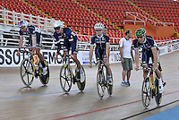 CALI - COLOMBIA - 14-01-2015: Equipo varones de Persecusion de Francia, durante entrenamiento en el Velodromo Alcides Nieto Patiño, sede de la III Copa Mundo UCI de Pista de Cali 2014-2015  / France Pursuit men team, during a training at the Alcides Nieto Patiño Velodrome, home of the III Cali Track World Cup 2014-2015 UCI. Photos: VizzorImage / Luis Ramirez / Staff.