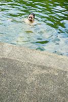Figure model in pool<br />