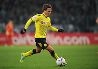 FUSSBALL   1. BUNDESLIGA   SAISON 2011/2012    15. SPIELTAG Borussia Moenchengladbach - Borussia Dortmund        03.12.2011 Mario Goetze (Borussia Dortmund) Einzelaktion am Ball