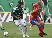 PALMIRA - COLOMBIA, 01-09-2019: Juan Camilo Angulo del Cali disputa el balón con Cesar Amaya de Pasto durante partido entre Deportivo Cali y Deportivo Pasto por la fecha 9 de la Liga Águila II 2019 jugado en el estadio Deportivo Cali de la ciudad de Palmira. / Juan Camilo Angulo of Cali vies for the ball with Cesar Amaya of Pasto during match between Deportivo Cali and Deportivo Pasto for the date 9 as part Aguila League II 2019 played at Deportivo Cali stadium in Palmira city. Photo: VizzorImage / Gabriel Aponte / Staff