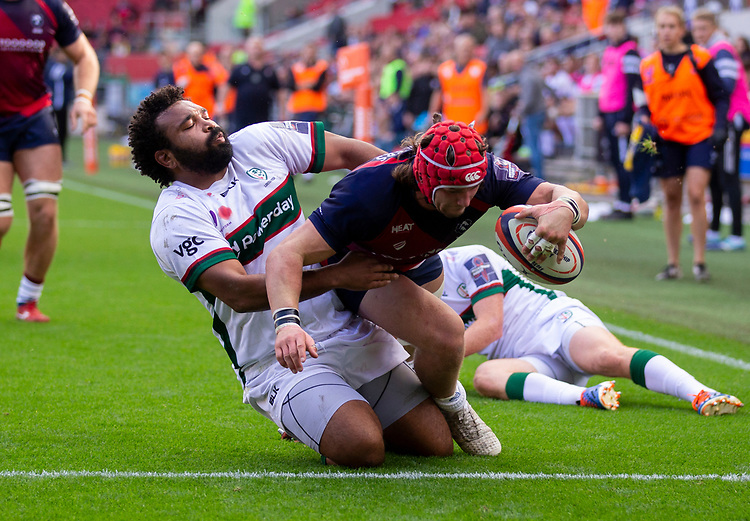 Bristol Bears' Harry Thacker scores his sides first try<br /> <br /> Photographer Bob Bradford/CameraSport<br /> <br /> Premiership Rugby Cup Round Three - Bristol Bears v London Irish - Sunday 6th October 2019 - Ashton Gate - Bristol<br /> <br /> World Copyright © 2018 CameraSport. All rights reserved. 43 Linden Ave. Countesthorpe. Leicester. England. LE8 5PG - Tel: +44 (0) 116 277 4147 - admin@camerasport.com - www.camerasport.com