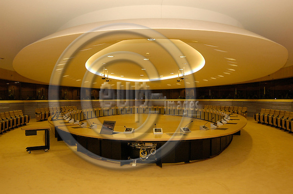 BRUSSELS - BELGIUM - 02 SEPTEMBER 2004 --A normal meeting room at the new EU Commission headquarters in the newly renovated Berlaymont Building.  PHOTO: EUP-IMAGES.COM / JAKUB PERSIN