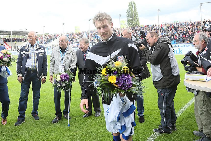 Marc Heitmeier (FSV) wird verabschiedet - FSV Frankfurt vs. 1. FC Koeln, Frankfurter Volksbank Stadion