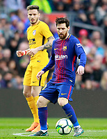 FC Barcelona's Leo Messi (r) and Atletico de Madrid's Saul Niguez during La Liga match. March 4,2018. (ALTERPHOTOS/Acero) /NortePhoto.com NORTEPHOTOMEXICO