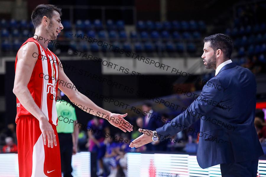 Kosarka ABA League season 2017-2018<br /> Crvena Zvezda v Mega Bemax<br /> Nemanja Dangubic (L) and head coach Dusan Alimpijevic<br /> Beograd, 04.09.2017<br /> foto: Srdjan Stevanovic/Starsportphoto &copy;