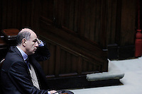 Il Ministro per lo Sviluppo Economico e Infrastrutture Corrado Passera..Roma 12/1/2012  Informativa urgente del Governo alla Camera dei Deputati,  sugli sviluppi recenti e le prospettive della politica europea..Foto Insidefoto  Serena Cremaschi.............