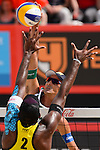 30.05.2015, Moskau, Vodny Stadion<br /> Moskau Grand Slam, Main Draw / Viertelfinale<br /> <br /> Block Evandro Goncalves (#2 BRA) - Angriff Emanuel Rego (#2 BRA)<br /> <br />   Foto &copy; nordphoto / Kurth