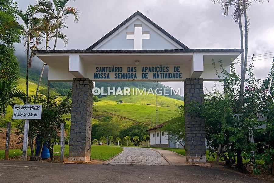 Portal do Santuario das Apariçoes de Nossa Senhora de Natividade. Natividade. Rio de Janeiro. 2014. Foto de Luciana Whitaker.