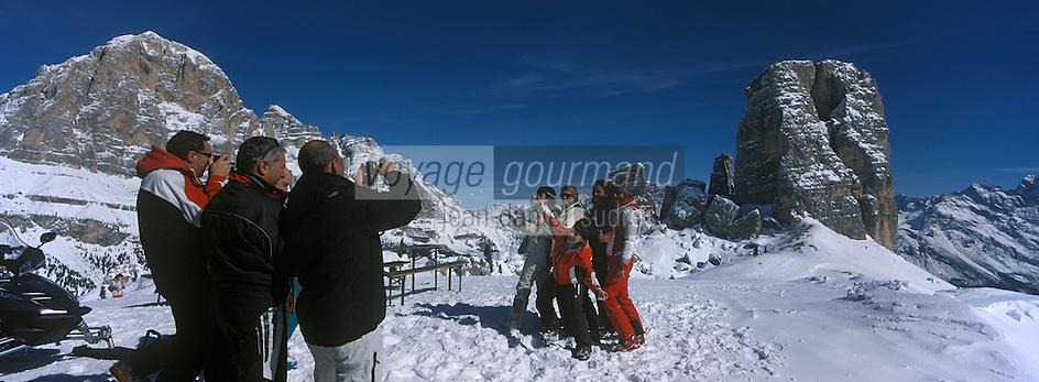 Europe/Italie/Vénétie/Dolomites/ env Cortina d'Ampezzo:  Sur les pistes prés du Refuge d'Avereau  dans le massif des Cinq Tours  à Forcella Nuvolau 2416 m