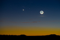Venus and monn at sunset in Arizona.