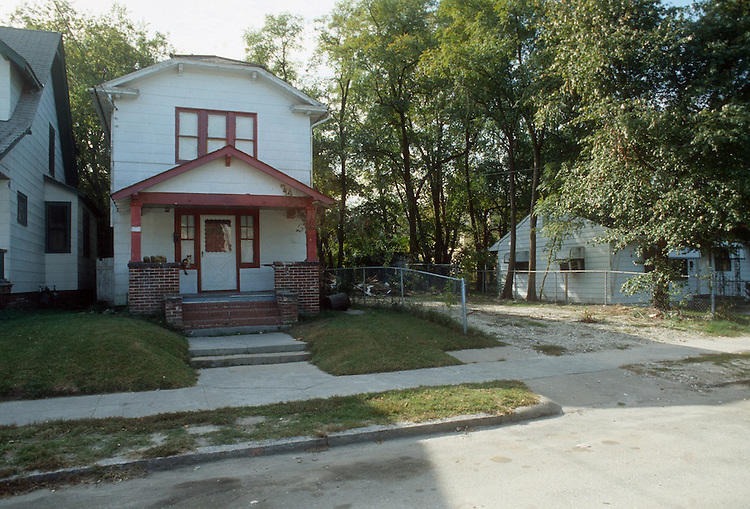 1991 November ..Conservation.Park Place..LOTS FOR SALE.829 WEST 37TH STREET...NEG#.NRHA#..