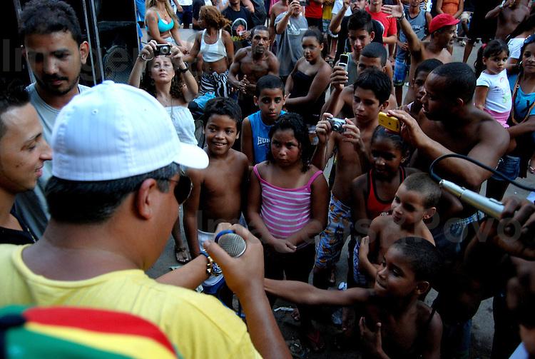 "Roda de Funk ""O Canto do Galo"" com, Mcs Galo e Smith. Favela da Rocinha , Rio de Janeiro, Brasil."