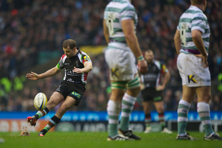 Nick Evans of Harlequins takes a penalty kick during the Aviva Premiership match between Harlequins and London Irish at Twickenham on Saturday 29th December 2012 (Photo by Rob Munro).