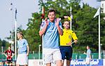 V&auml;llingby 2014-07-06 Fotboll Allsvenskan IF Brommapojkarna - Malm&ouml; FF :  <br />  Malm&ouml;s Markus Rosenberg deppar efter att ha f&aring;tt ett gult kort och varning av domare Johan Hamlin <br /> (Foto: Kenta J&ouml;nsson) Nyckelord:  BP Brommapojkarna IFB Grimsta Malm&ouml; MFF varning gult kort depp besviken besvikelse sorg ledsen deppig nedst&auml;md uppgiven sad disappointment disappointed dejected