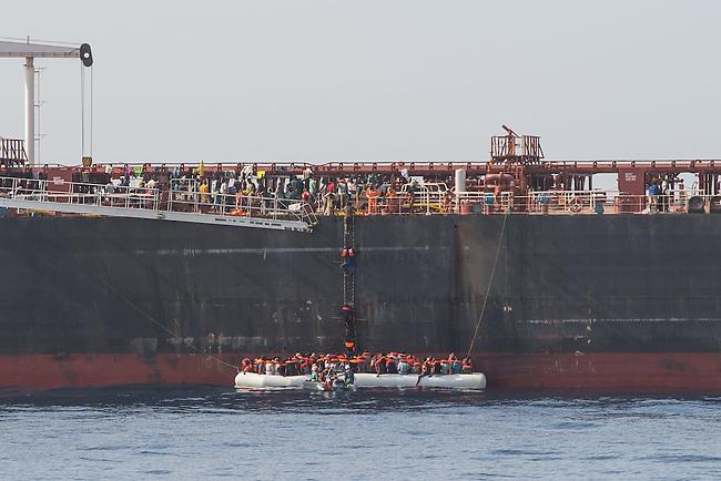 Sea Watch-2.<br /> Die Sea Watch-2 bei ihrer 13. SAR-Mission vor der libyschen Kueste.<br /> Im Bild: <br /> 21.10.2016, Mediterranean Sea<br /> Copyright: Christian-Ditsch.de<br /> [Inhaltsveraendernde Manipulation des Fotos nur nach ausdruecklicher Genehmigung des Fotografen. Vereinbarungen ueber Abtretung von Persoenlichkeitsrechten/Model Release der abgebildeten Person/Personen liegen nicht vor. NO MODEL RELEASE! Nur fuer Redaktionelle Zwecke. Don't publish without copyright Christian-Ditsch.de, Veroeffentlichung nur mit Fotografennennung, sowie gegen Honorar, MwSt. und Beleg. Konto: I N G - D i B a, IBAN DE58500105175400192269, BIC INGDDEFFXXX, Kontakt: post@christian-ditsch.de<br /> Bei der Bearbeitung der Dateiinformationen darf die Urheberkennzeichnung in den EXIF- und  IPTC-Daten nicht entfernt werden, diese sind in digitalen Medien nach &sect;95c UrhG rechtlich geschuetzt. Der Urhebervermerk wird gemaess &sect;13 UrhG verlangt.]