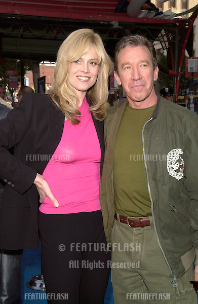 """19DEC99: Actress SIGOURNEY WEAVER & actor TIM ALLEN at the Los Angeles premiere of their new movie """"Galaxy Quest.""""               .(for information see: http://www.galaxyquest.com).© Paul Smith / Featureflash"""