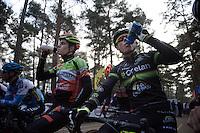 Wout Van Aert (BEL/Crelan-Vastgoedservice) &amp; Sven Nys (BEL/Crelan-AAdrinks) synchro-drinking at the start<br /> <br /> 2016 Belgian National CX Championships