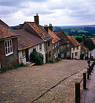 Traditional cottages on cobbled street of Gold Hill, Shaftesbury, Dorset, England