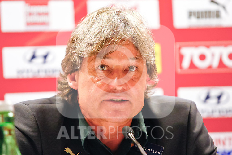 03.06.2011, Ernst Happel Stadion, Wien, AUT, UEFA EURO 2012, Qualifikation, Oesterreich (AUT) vs Deutschland (GER), im Bild Dietmar Constantini, (AUT, Headcoach) bei der Pressekonferenz // during the UEFA Euro 2012 Qualifier Game, Austria vs Germany, at Ernst Happel Stadium, Vienna, 2010-06-03, EXPA Pictures © 2011, PhotoCredit: EXPA/ E. Scheriau