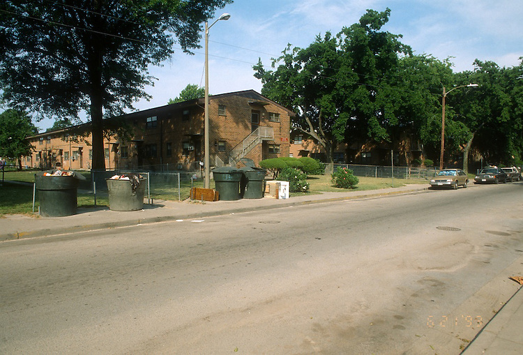 1993 June 21..Assisted Housing.Calvert Square..BEFORE RENOVATIONS.ROLL 2-7.895 BAGNALL ROAD.WEST...NEG#.NRHA#..
