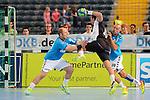 Team Buschis Frank Ettwein (Nr.99) und Team Buschis Frank Buschmann (Nr.00) verteidigen Team Kretsches Florian Kehrmann (Nr.15) beim Tag des Handballs - Team Frank Buschmann vs. Team Stefan Kretzschmar.<br /> <br /> Foto &copy; P-I-X.org *** Foto ist honorarpflichtig! *** Auf Anfrage in hoeherer Qualitaet/Aufloesung. Belegexemplar erbeten. Veroeffentlichung ausschliesslich fuer journalistisch-publizistische Zwecke. For editorial use only.