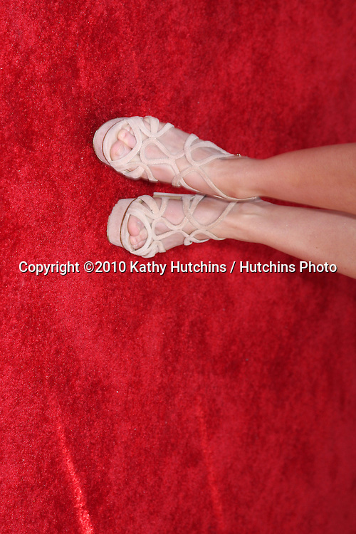 """Kristina Anapau.arrives at """"The Losers"""" Premiere.Grauman's Chinese Theater.Los Angeles, CA.April 20, 2010.©2010 Kathy Hutchins / Hutchins Photo..."""