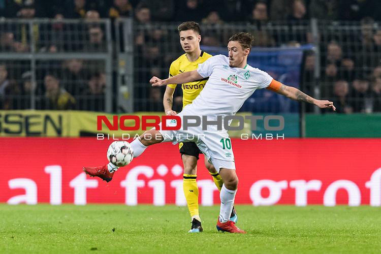 05.02.2019, Signal Iduna Park, Dortmund, GER, DFB-Pokal, Achtelfinale, Borussia Dortmund vs Werder Bremen<br /> <br /> DFB REGULATIONS PROHIBIT ANY USE OF PHOTOGRAPHS AS IMAGE SEQUENCES AND/OR QUASI-VIDEO.<br /> <br /> im Bild / picture shows<br /> Christian Pulisic ( Dortmund #22) im Duell / im Zweikampf mit Max Kruse (Werder Bremen #10), <br /> <br /> Foto © nordphoto / Ewert