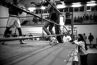 Roma.Boxe dilettanti.Stefania Iuppa, Istruttore di boxe a bordo ring