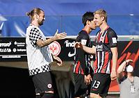 Marco Russ (Eintracht Frankfurt) wird verabschiedet von der Mannschaft, da er seine Karriere beendet mit Martin Hinteregger (Eintracht Frankfurt)<br /> - 27.06.2020: Fussball Bundesliga, Saison 19/20, Spieltag 34, Eintracht Frankfurt vs. SC Paderborn 07, emonline, emspor, Namen v.l.n.r. <br /> <br /> Foto: Marc Schueler/Sportpics.de/Pool <br /> Nur für journalistische Zwecke. Only for editorial use. (DFL/DFB REGULATIONS PROHIBIT ANY USE OF PHOTOGRAPHS as IMAGE SEQUENCES and/or QUASI-VIDEO)