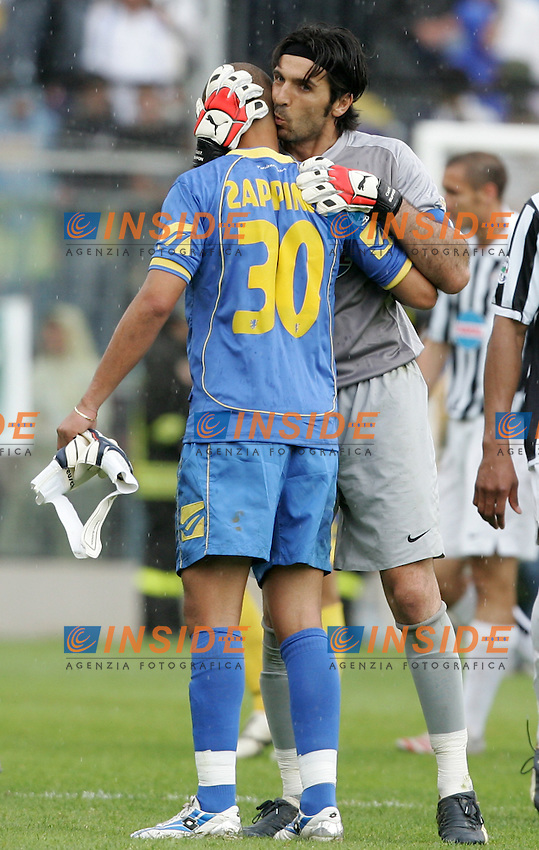 Massimo Zappino (Frosinone) Gianluigi Buffon (Juventus)<br /> Italian &quot;Serie B&quot; 2006-2007 <br /> 1 May 2007 (Match Day 31)<br /> Frosinone Juventus (0-2)<br /> &quot;Matusa&quot; Stadium-Frosinone-Italy<br /> Photographer:Andrea Staccioli INSIDE