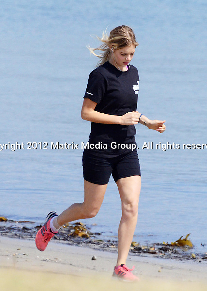 12.9.2012 PALM BEACH NSW AUSTRALIA..EXCLUSIVE PICTURES..Samara Weaving takes time out from her shooting schedule on the set of Home & Away to go for a run around Palm Beach area....*No internet without clearance*.MUST CALL PRIOR TO USE ..+61 2 9211-1088.Matrix Media Group.Note: All editorial images subject to the following: For editorial use only. Additional clearance required for commercial, wireless, internet or promotional use.Images may not be altered or modified. Matrix Media Group makes no representations or warranties regarding names, trademarks or logos appearing in the images.