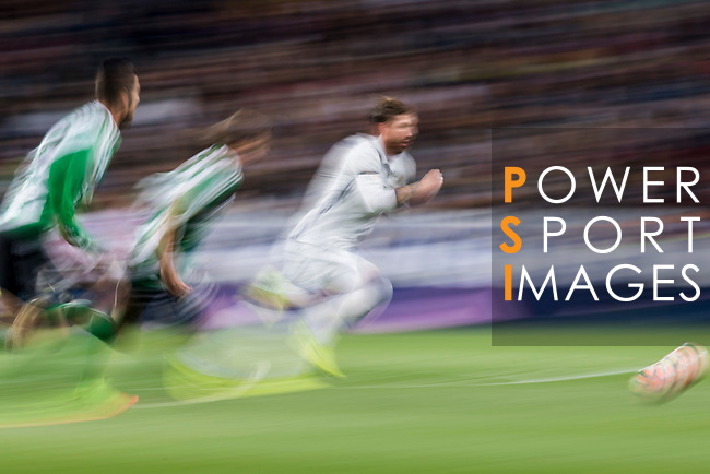 Sergio Ramos of Real Madrid is followed by Real Betis' players during their La Liga match between Real Madrid and Real Betis at the Santiago Bernabeu Stadium on 12 March 2017 in Madrid, Spain. Photo by Diego Gonzalez Souto / Power Sport Images