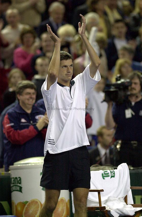 Photo:Ken Brown .6.4.2001 Davis Cup Great Britain v Portugal.Tim Henman v Tiago Vinhas De Sousa.Henman celebrates with the crowd after his victory