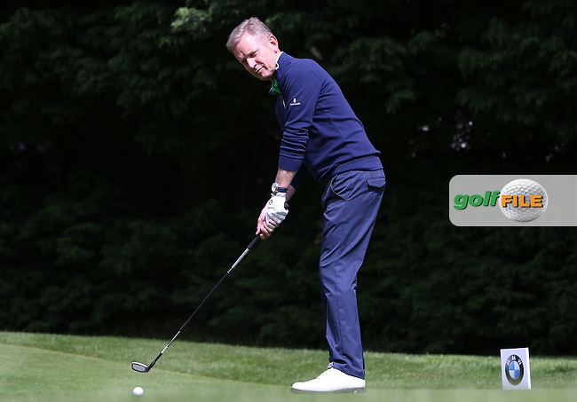 Straight at me .. Jeremy Kyle on the 18th tee during the Pro-Am ahead of the 2015 BMW PGA Championship over the West Course at Wentworth, Virginia Water, London. Picture David Lloyd, www.golffile.ie: 20/05/2015