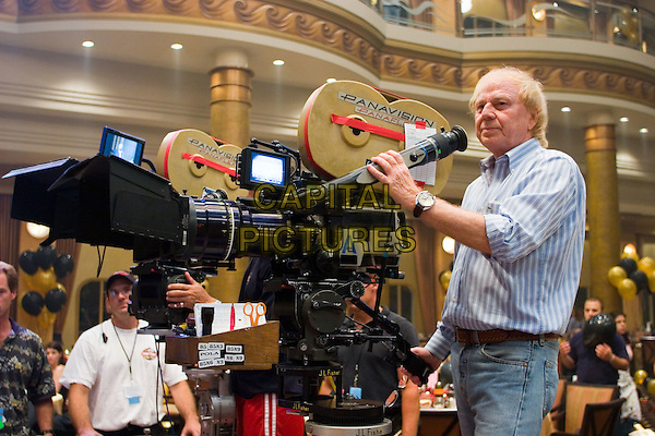 WOLFGANG PETERSEN (DIRECTOR).on the set of Poseidon.Filmstill - Editorial Use Only.CAP/AWFF.www.capitalpictures.com.sales@capitalpictures.com.Supplied By Capital Pictures.