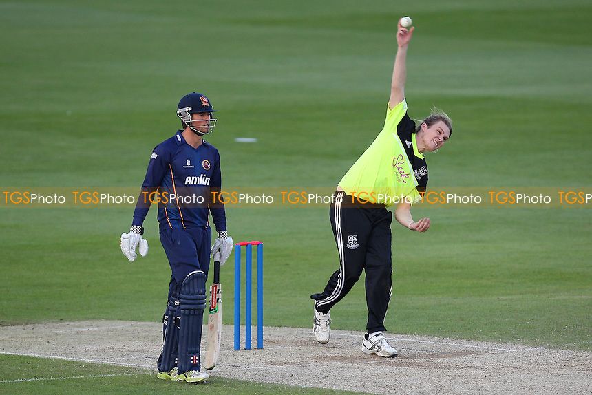 Harry Shirt in bowling action for the Essex League XI - Essex Eagles vs Shepherd Neame Essex League XI - Twenty 20 Cricket at the Essex County Ground, Chelmsford - 15/05/14 - MANDATORY CREDIT: Gavin Ellis/TGSPHOTO - Self billing applies where appropriate - 0845 094 6026 - contact@tgsphoto.co.uk - NO UNPAID USE