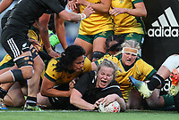 Phillipa Love scores during the international women's rugby match between the New Zealand Black Ferns and Australia Wallaroos at Eden Park in Auckland, New Zealand on Saturday 25 August 2018. Photo: Simon Watts / lintottphoto.co.nz