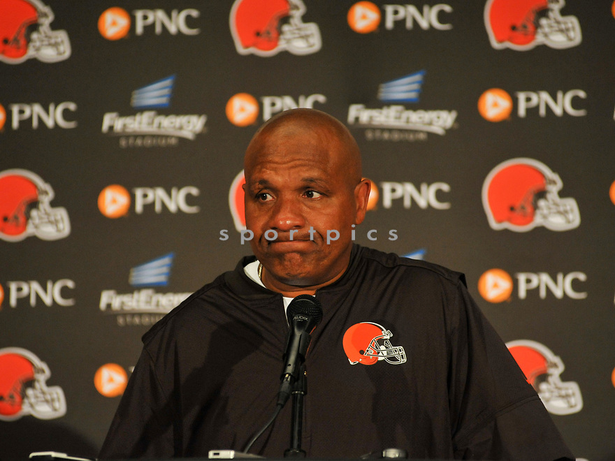 CLEVELAND, OH - AUGUST 18, 2016: Head coach Hue Jackson of the Cleveland Browns answers questions during a press conference after a preseason game on August 18, 2016 against the Atlanta Falcons at FirstEnergy Stadium in Cleveland, Ohio. Atlanta won 24-13. (Photo by: 2016 Nick Cammett/Diamond Images) *** Local Caption *** Hue Jackson