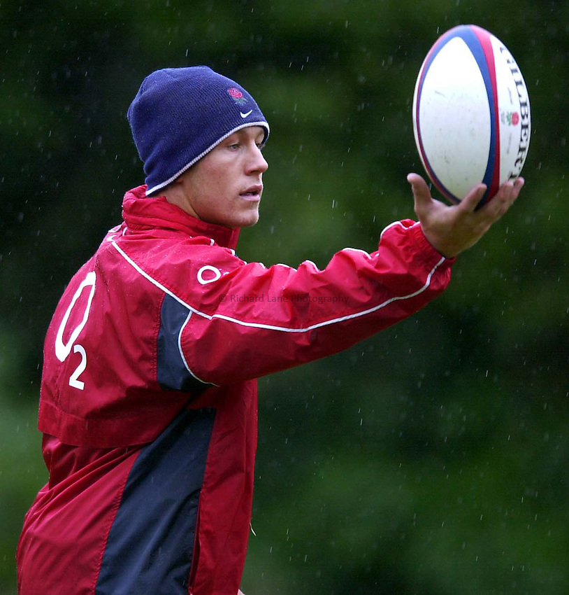 Photo. Richard Lane. .England Squad Training at Pennyhill Hotel, Bagshot.. 06-11-2002.Jonny Wilkinson.