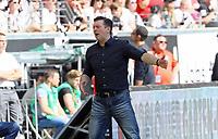 Trainer Christian Titz (Hamburger SV) wendet sich ab - 05.05.2018: Eintracht Frankfurt vs. Hamburger SV, Commerzbank Arena, 33. Spieltag Bundesliga