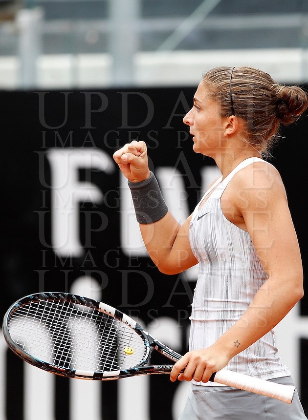 L'italiana Sara Errani durante gli Internazionali d'Italia di tennis a Roma, 16 Maggio 2013..Italy's Sara Errani reacts after winning a point during the Italian Open Tennis WTA tournament in Rome, 16 May 2013.UPDATE IMAGES PRESS/Isabella Bonotto