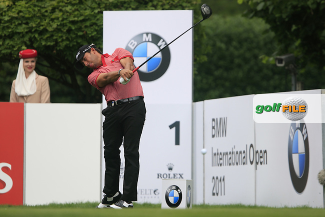 Pablo Larrazabal (ESP) tees off on the 1st tee during the Final Day of the BMW International Open at Golf Club Munchen Eichenried, Germany, 26th June 2011 (Photo Eoin Clarke/www.golffile.ie)