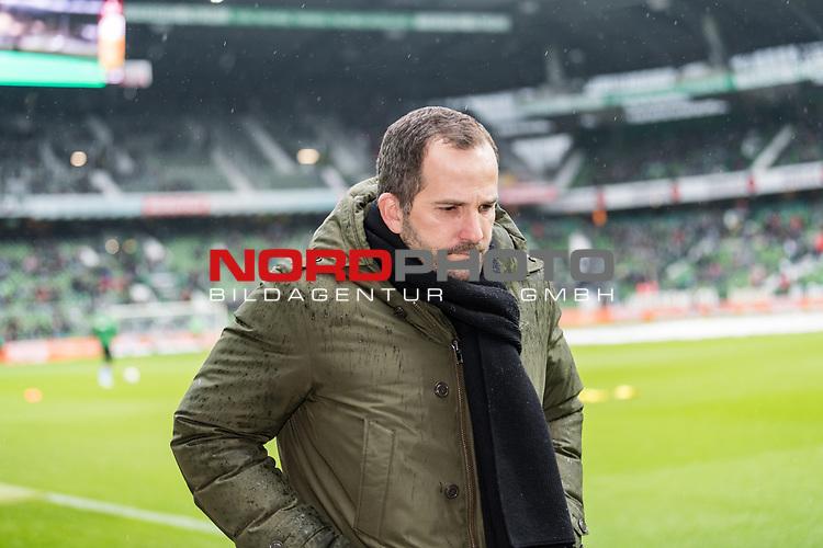 10.02.2019, Weserstadion, Bremen, GER, 1.FBL, Werder Bremen vs FC Augsburg<br /> <br /> DFL REGULATIONS PROHIBIT ANY USE OF PHOTOGRAPHS AS IMAGE SEQUENCES AND/OR QUASI-VIDEO.<br /> <br /> im Bild / picture shows<br /> Manuel Baum (Trainer / Head Coach FC Augsburg), <br /> <br /> Foto &copy; nordphoto / Ewert