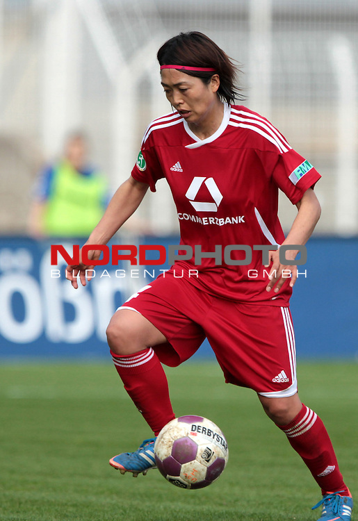 17.04.13, Jena, Ernst-Abbe-Sportfeld, GER, 1.Bundesliga, Frauen, FF USV Jena vs 1.FFC Frankfurt <br /> im Bild  Kozue Ando (Frankfurt)<br /> <br />  // during the match between FF USV Jena and 1.FFC Frankfurt on 2013/04/17 <br />   Foto &copy; nph / Hessland