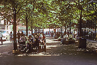 """New York: Shaded noontime seating in front of Continental Center, front to South Street, 1983: the building is described as """"Neo-tacky"""", but this is urbane. Photo '91."""