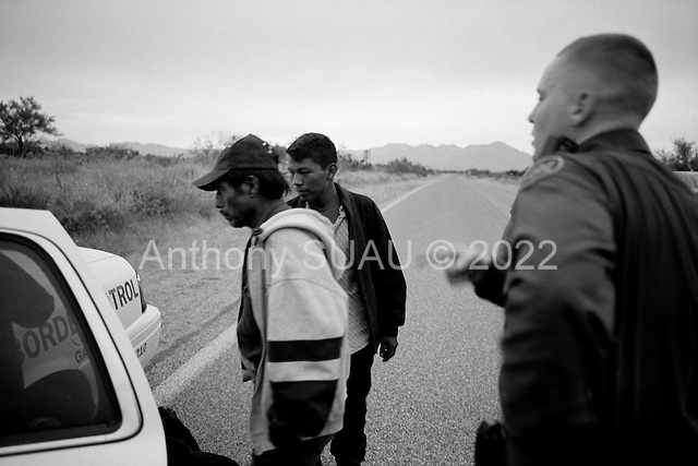 Three Points, Arizona.USA.October 23, 2006..The Arizona Border Patrol arrests 4 Mexicans who have crossed the border illegal.