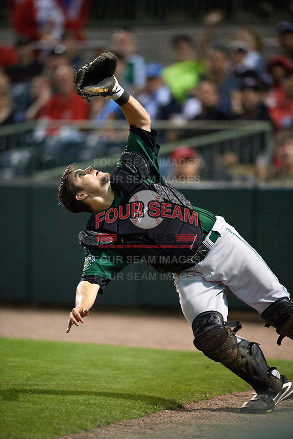 Daytona Tortugas catcher Chris Okey (25) makes a diving attempt on a foul ball popup during a game against the Florida Fire Frogs on April 6, 2017 at Osceola County Stadium in Kissimmee, Florida.  Daytona defeated Florida 3-1.  (Mike Janes/Four Seam Images)
