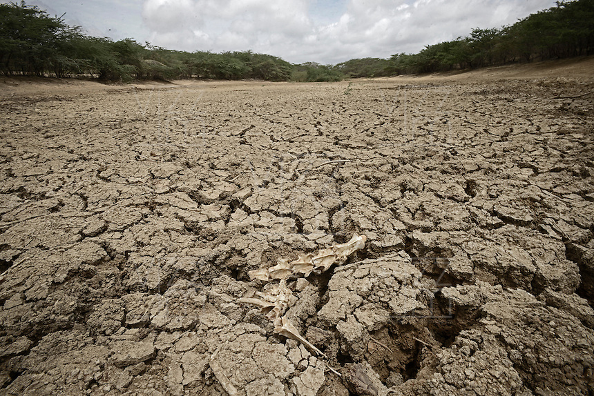 NAZARET GUAJIRA -COLOMBIA.  El cambio climático afecta de una manera fuerte a las fuentes de agua en la Guajira, Colombia./ The climate change affects in a strong way to waters sources at la Guajira, Colombia.. Foto: VizzorImage/ Gabriel Aponte / Staff