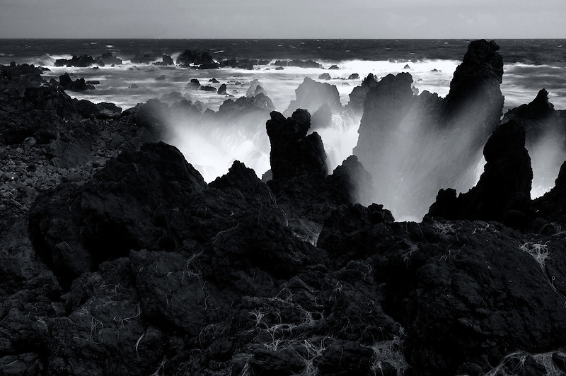 Crashing waves at Laupahoehoe Point. Hawaii, The Big Island.
